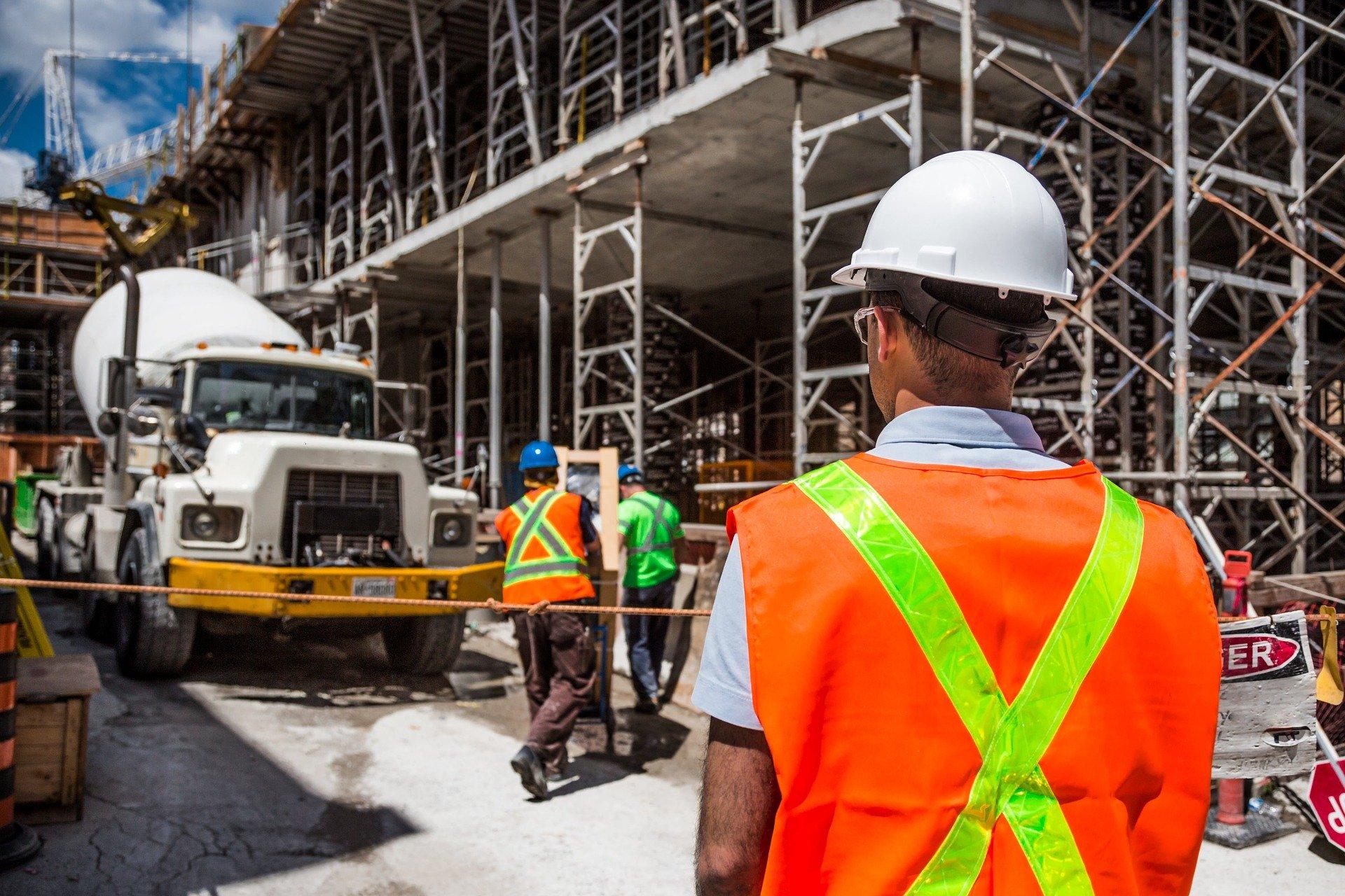 Передача матеріалів підряднику за відповідним КЕКВ під час проведення капітального ремонту