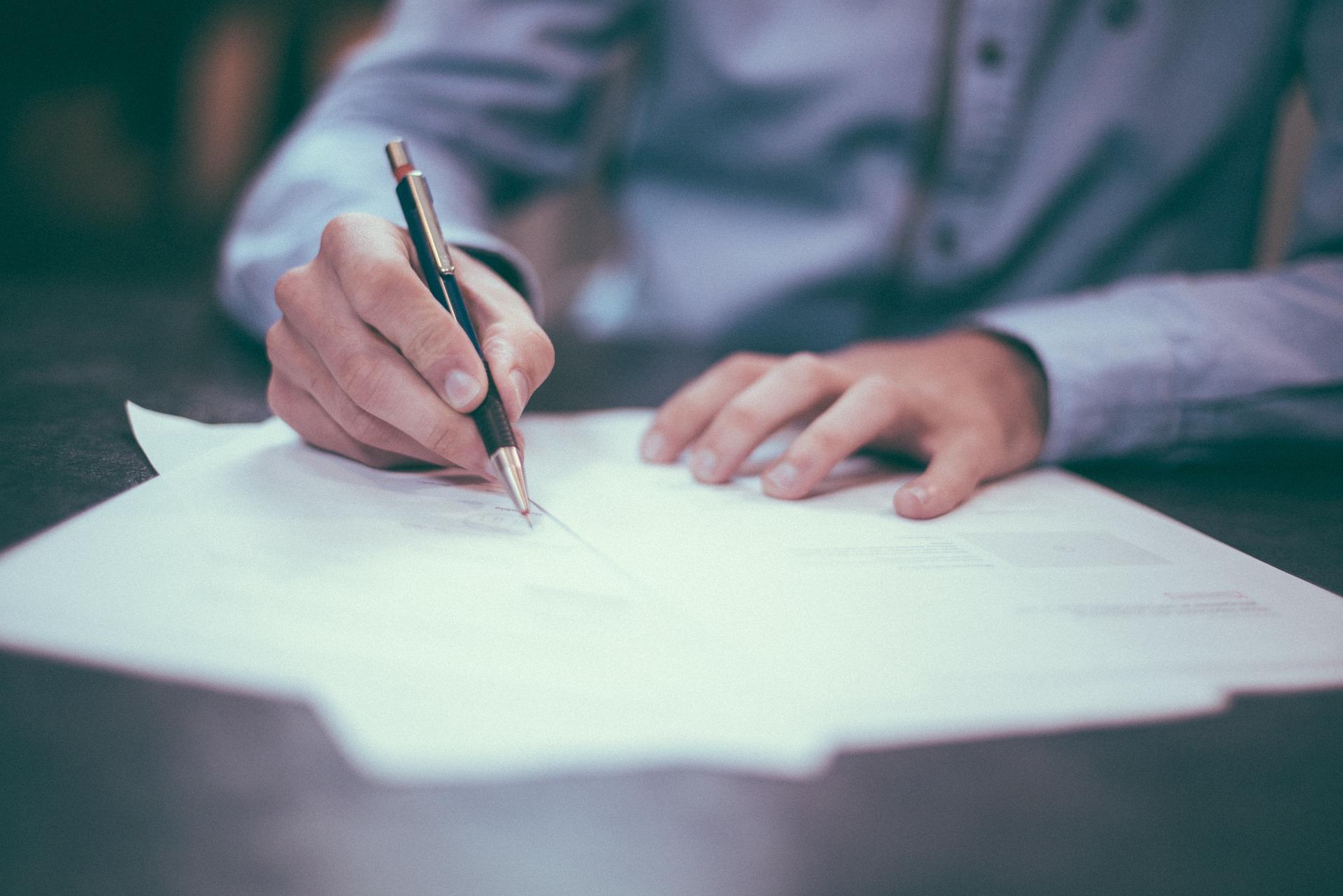 Нові питання щодо оприлюднення документів замовника з електронними печатками та підписами
