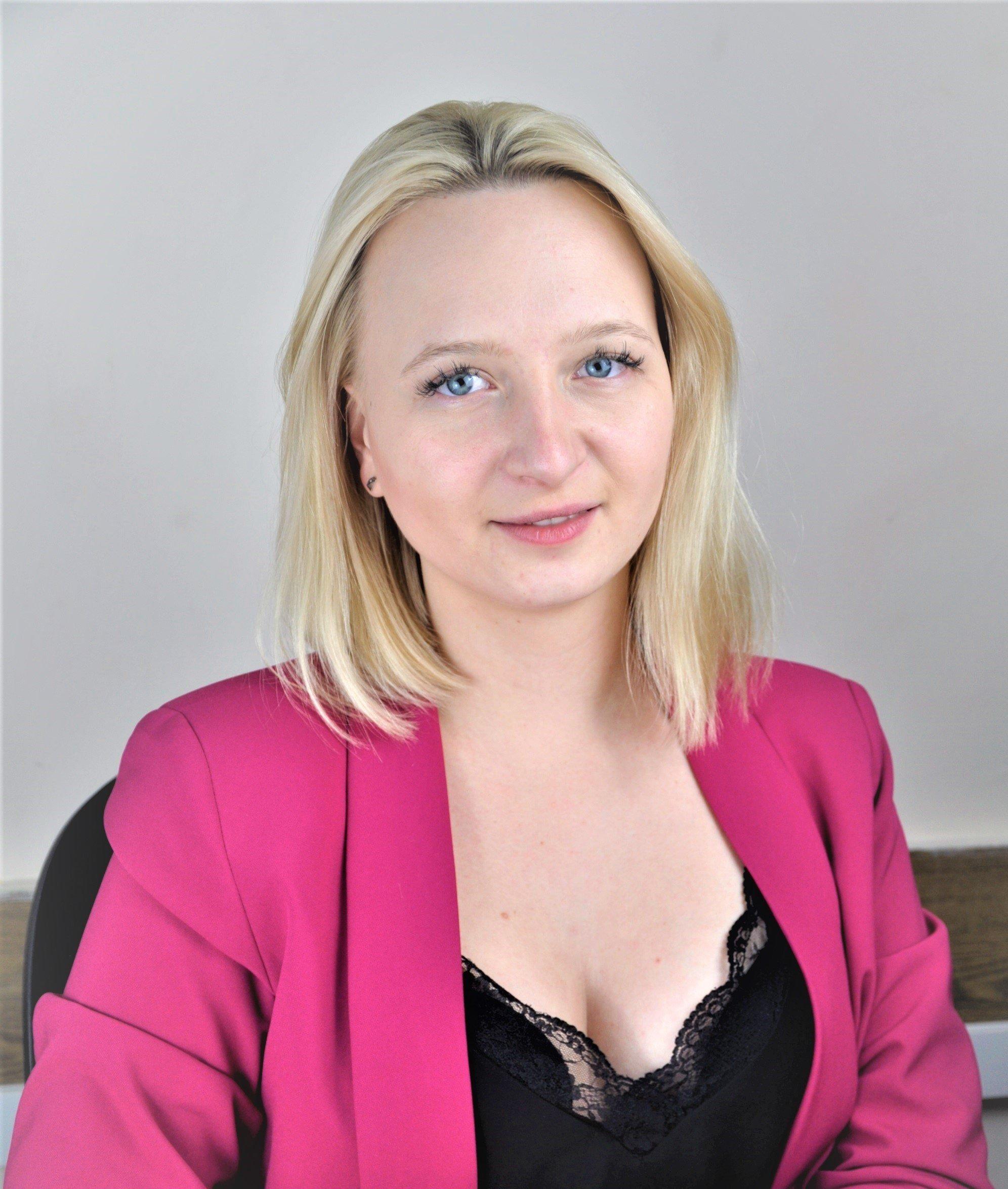 Анна Селютіна