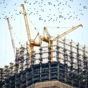Динамічна і тверда договірні ціни в будівельній галузі