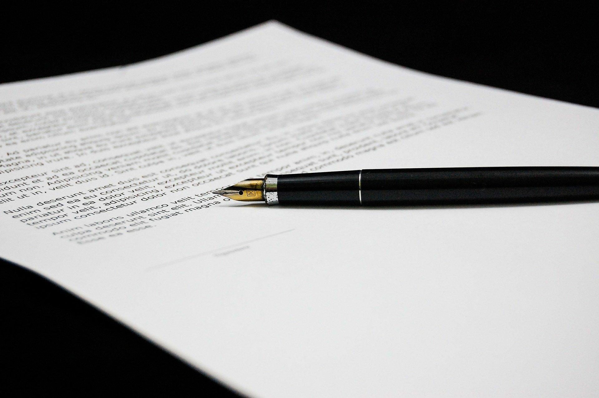 Хто є відповідальним за укладення договору про закупівлю?