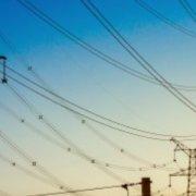 Ціну на електричну енергію за універсальною послугою регулює НКРЕКП? Чи все ж не повністю?