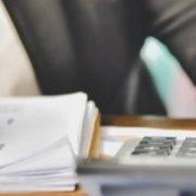 Правові підстави застосування пролонгації договорів замовниками
