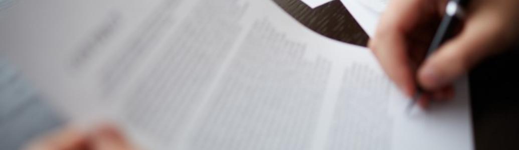 Замовник ухиляється від укладення договору про закупівлю. Як діяти учаснику?