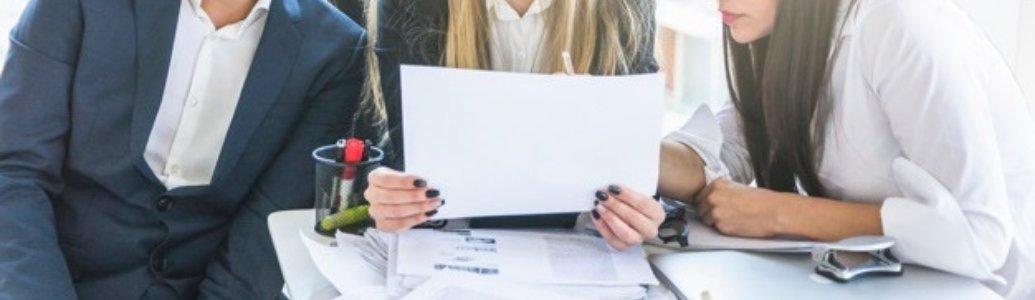 Чи може замовник вимагати копії наказів про прийняття на роботу персонал?