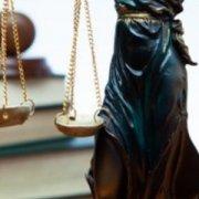 Укладення договору без проведення спрощеної закупівлі за умови заміни уповноваженої особи: практика суду