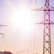 Постачальник електроенергії звертається щодо збільшення ціни: чи є підстави?
