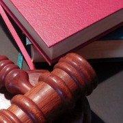 Якщо відміна закупівлі неправомірна, чи можна вважати договір про закупівлю укладеним? Судова практика